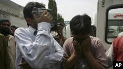تشدد کے واقعات میں ہلاک ہونے والوں کے غمزدہ لواحقین