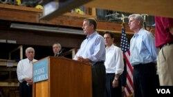 """El legislador John Boehner, líder de la minoría en la Cámara de Representantes, presentó el documento titulado """"Compromiso con Estados Unidos""""."""