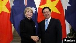 Bà Julie Bishop và Bộ trưởng Ngoại giao Việt Nam Phạm Bình Minh hôm 28/5.