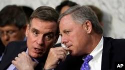 Demokratski senator Mark Vorner (L) i njegov repulikanski kolega Ričard Bur
