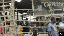 Comerciante do Mercado da Caponte, em Benguela, de onde desapareceu a música do Brigadeiro 10 Pacotes