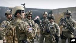 د افغان ځانګړو ځواکونو یو ډله د تمرین په وخت (ارشیف)