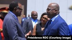 Le président Félix Tshisekedi, à droite, accompagné de son épouse salue son homologue namibien Hage Geingob, à Windhoek, Namibie, le 27 février 2019. (Présidence RDC)
