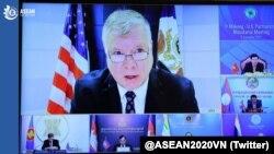 美国副国务卿史蒂芬·比根(Stephen Biegun)2020年9月11日在首届湄公河-美国伙伴关系部长级会议上重申华盛顿对《湄公河下游倡议》的承诺(照片来源:推特@ASEAN2020VN)