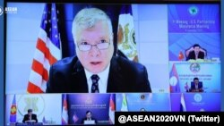 Sub-secretário de estado americano Stephen Biegun no encontro ministerial virtual EUA-Mekong (Photo Twitter ASEAN Vietnam 2020)