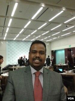 吉布提驻美使馆领事伊斯梅尔·吉马(美国之音申华拍摄)