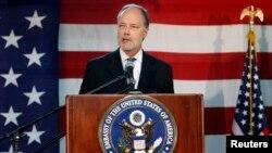 Đại sứ Mỹ tại Afghanistan James B. Cunningham.