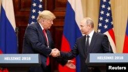Predsednici SAD i Rusije na sastanku u Helsinkiju