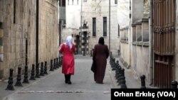 Nisan 2020 - Gaziantep'de yaşayan Suriyeli iki mülteci kadın