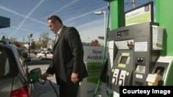 Salah satu contoh pom bensin yang menyediakan biodiesel berbasis alga di San Francisco. (Foto: Ilustrasi)
