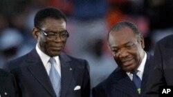 Le président équato-guinéen Teodoro Obiang Nguema et son homologue gabonais Ali Bongo Ondimba à Libreville, Gabon, 12 février 2012.