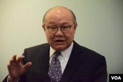 香港退休法官胡國興。(美國之音湯惠芸攝)