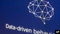 La firma británica es acusada de haber reunido y explotado datos personales de unos 87 millones de usuarios de Facebook, sin su consentimiento.
