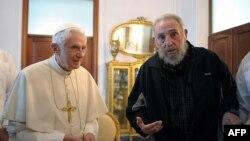 Papa Benedikt XVI sa Fidelom Kastrom