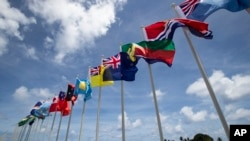 太平洋島國論壇成員國的旗幟在島國瑙魯飄揚。(2018年9月3日)