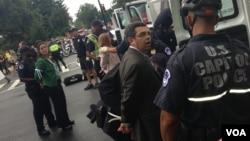 Gustavo Torres de Casa en Acción fue uno de los arrestados por la policía del Capitolio. [Foto: Angélica Herrera, VOA].