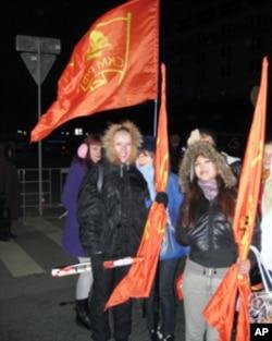 莫斯科集會上的共產黨支持者