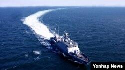 한국 방위사업청은 28일 15번째 유도탄고속함인 '박동진함'을 해군에 인도했다고 밝혔다.