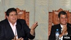 """El presidente peruano Alan García dijo que el encuentro con Correa fue una """"experiencia inédita""""."""