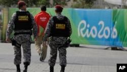 Lực lượng an ninh Brazil tuần tra tại Công viên Olympic ở Rio de Janeiro, ngày 4/8/2016.