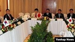 中﹑日﹑韓三方舉行自由貿易協定談判