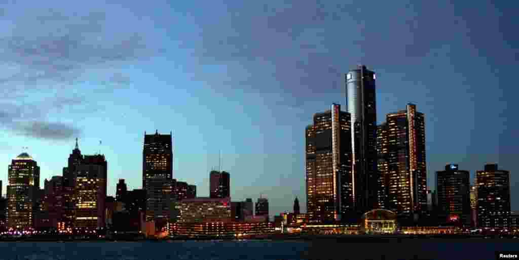 """Штаб-квартира """"Дженерал Моторс"""" - найвища будівля у Детройті."""