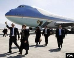 Raja Saudi, Abdullah meminta pesawat pribadinya dilengkapi fasilitas seperti pesawat kepresidenan AS, Air Force One yang merupakan produksi Boeing (gambar).