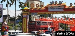 Kawasan Pecinan di Solo menyambut Imlek, 25 Januari 2020. (Foto: VOA/ Yudha Satriawan)