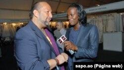 Angola, Apresentador de televisão Hady Lima, à direita, cantor kudurista que assumiu a sua homossexualidade, entrevista Jorge Antunes