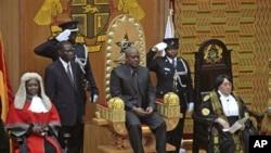前加纳副总统马哈马宣誓后就任