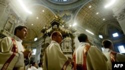 В США католический епископ обвиняется в укрывательстве педофила