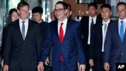 미-중 무역협상을 위해 중국을 방문한 스티븐 므누신 미 재무장관이 30일 베이징의 숙소에 도착했다.