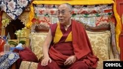 Đức Đạt Lai Lạt Ma tại ngôi chùa Phật giáo trong công viên của trung tâm Phật Giáo Deer Park ở Madison, Wisconsin, ngày 6/3/2016.