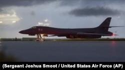 美国空军B-1枪骑兵战略轰炸机