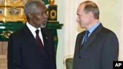 Кофи Аннан и Владимир Путин (архивное фото)