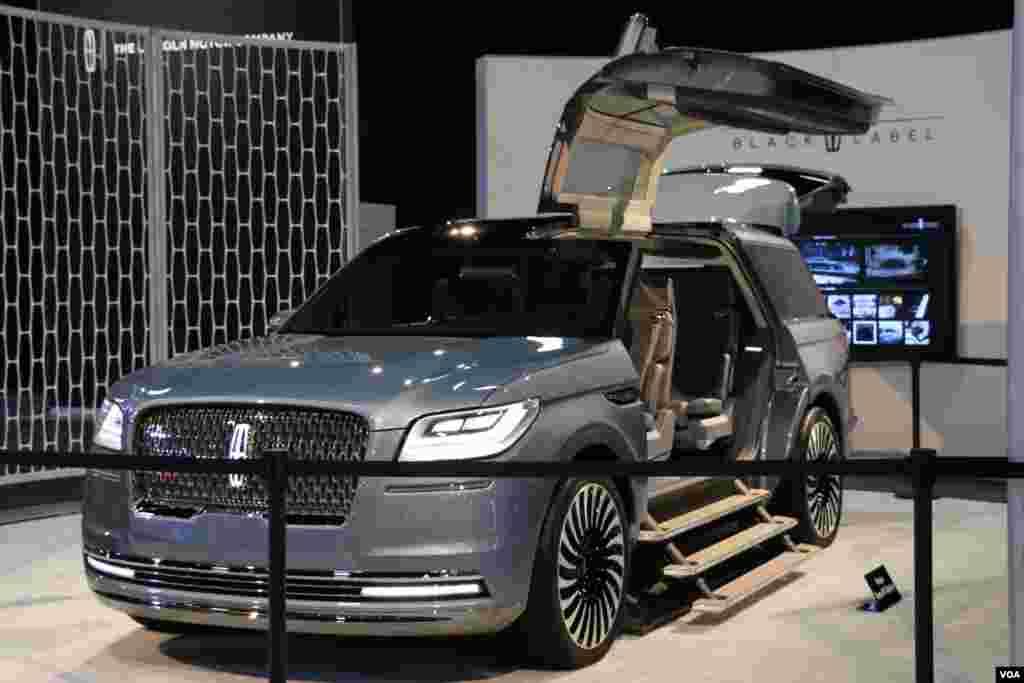 نمایشگاه اتومبیل واشنگتن لینکلن Model: Navigator Concept
