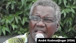Gali Gata Ngoté, de l'UFD/PR lors d'une conférence de presse à N'Djamena le 29 avril 2016. (VOA / André Kodmadjingar)