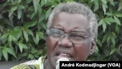 Gali Gata Ngoté de l'UFD/PR Union des Forces Démocratiques/Parti Républicain donne son avis lors lors d'une conférence de presse à N'Djamena, Tchad, 29 avril 2016. André Kodmadjingar