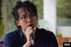 90後的香港作家盧斯達表示,港人悼念六四應該拋棄由支聯會主導。(美國之音湯惠芸攝)