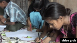印度红灯区的孩子通过参与杂志创作试图摆脱祖辈的命运。