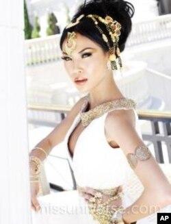ນິດຕະຍາ ປານມາໄລທອງ ໃນຊຸດ Cleopatra ໃນລະຫວ່າງການປະກວດ Miss USA 2012 ທີ່ ລັສ ເວກັສ ກ່ອນການແຂ່ງຂັນຄືນສຸດທ້າຍ, ວັນທີ 3 ມີຖຸນາ 2012.