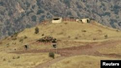 伊拉克北部山區一個土耳其軍事觀察哨外的坦克。(資料照片)