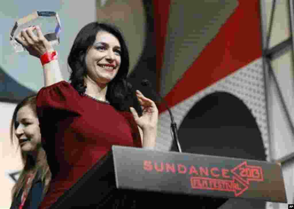 ქართველი რეჟისორი თინათინ გურჩიანი იღებს მთავარ პრიზს უცხოური დოკუმენტური ფილმების საუკეთესო რეჟისორის კატეგორიაში, 26 იანვარი, 2013 პარკ სიტი, აშშ