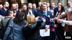 Arhiv - Edin Forto iz Naše stranke daje izjavu medijima