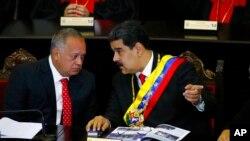 El politólogo y analista Julio Schilling considera que las sanciones son un instrumento de presión válido, sobre todo para 'ahorcar' a gobiernos autoritarios como Venezuela.
