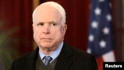 Dan Majalisar Dattawan Amurka, Senata John McCain daga Jihar Arizona.