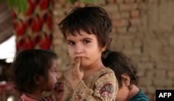 Dijete iz Afganistana u kampu Khazana u Pakistanu.