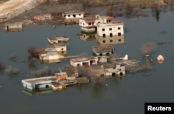 Houses submerged by the rising waters of the Tigris River are seen in Hasankeyf in southeastern Batman province, Turkey, February 20, 2020. Picture taken February 20, 2020. REUTERS/Murad Sezer
