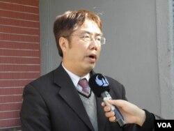 民進黨立委黃偉哲1月15日在立法院 (美國之音申華拍攝)