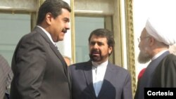 Nicolas Maduro conversa con el ayatolá Khomenei en Teherán. [Foto: Presidencia de Venezuela].
